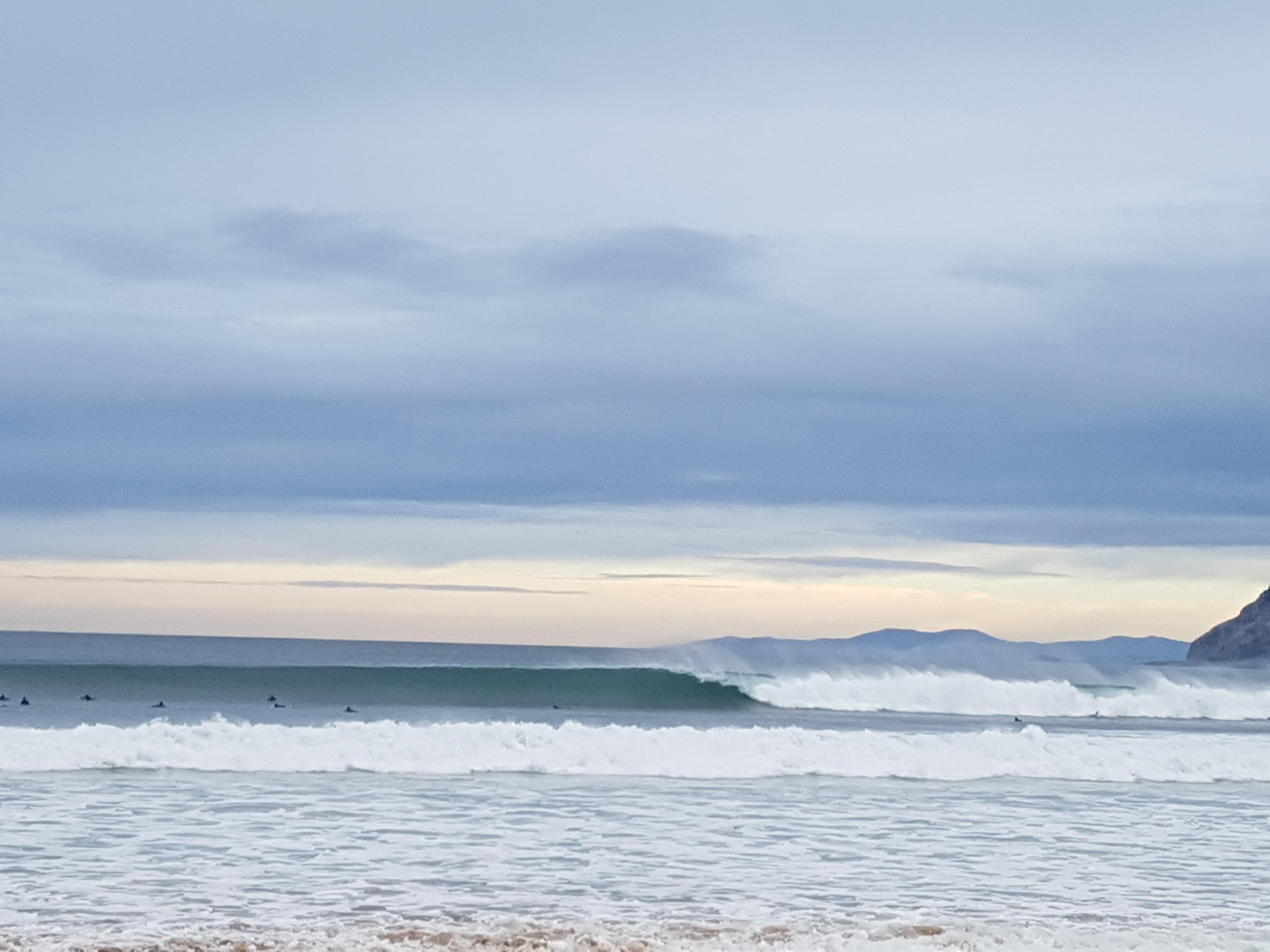 La guía de surf para descubrir la costa del Cantábrico. – onthebelay bd4bb3579f9